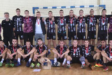"""Partizan osvajač rukometnog kupa """"Ignjat i Jevrem Popović"""", kapiten Vižlina – MVP"""