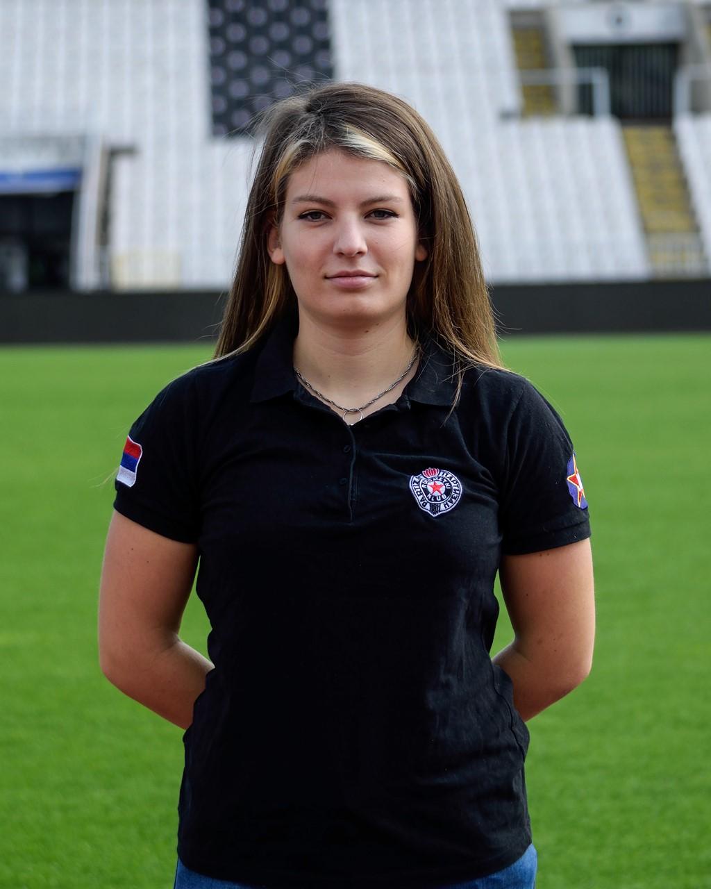 Nina Kraljevski